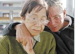 Le dur combat des accompagnants des malades d'Alzheimer - Source de l'image: www.la-croix.com