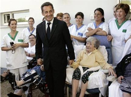 Plan Alzheimer 2008-2012 : un bilan intermédiaire mitigé - Source de l'image: http://www.rfi.fr