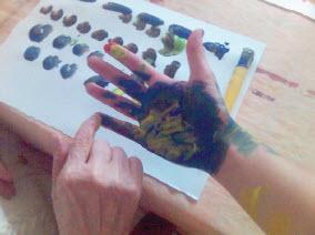 L'art-thérapie : un soin original contre Alzheimer - Source de l'image : http://www.alzheimergrandlyon.fr/